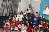 Gia đình - Tình yêu - Gia đình có 22 người con chụp hình Giáng sinh gây sốt
