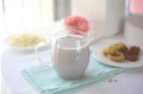 Ăn - Chơi -  Mỗi ngày chị em chỉ cần uống một ly sữa hạt này đảm bảo da mịn màng như da em bé
