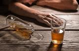 Sức khoẻ - Làm đẹp - Nam thanh niên 29 tuổi tử vong sau bữa nhậu vì ngộ độc rượu