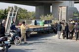 Tin trong nước - Tin tai nạn giao thông ngày 13/1: Va chạm với container, nữ sinh tử vong thương tâm