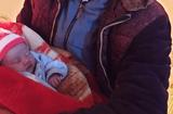 Tin trong nước - Vụ bé gái sơ sinh bị bỏ rơi ở đồi thông trong đêm rét 10 độ C: Lá thư trong làn nhựa viết gì?