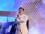 Ca sĩ Quang Hà làm show