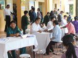 Lực lượng vũ trang Thủ đô khám bệnh miễn phí cho hơn 300 người nghèo