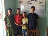 Học sinh lớp 6 tại Quảng Nam trả lại tài sản cho người đánh rơi