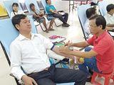 Chủ tịch Hội Cựu chiến binh xã nhiệt tình với công tác hiến máu tình nguyện