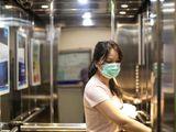 Người phụ nữ trở về từ Mỹ lây Covid-19 cho 71 người chỉ trong 60 giây đi thang máy