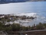 Video-Hot - Video: Hãi hùng cảnh 8 ngôi nhà bị cuốn phăng ra biển trong nháy mắt vì sạt lở đất