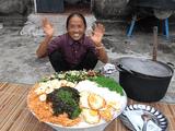 Làm đĩa mỳ trộn Hàn Quốc