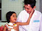 Cô bé ghép gan đầu tiên tại Việt Nam qua đời sau 17 năm phẫu thuật