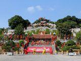 Quảng Ninh: Nhẹ nhàng tĩnh tâm, đầu năm đi lễ hội Đền Cửa Ông