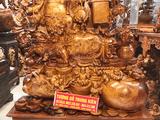 Làm tượng Phật gỗ luôn được chú trọng tại cơ sở sản xuất tượng gỗ Trung Kiên