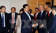 Thủ tướng Nguyễn Tấn Dũng dự tọa đàm với các doanh nghiệp Singapore