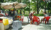 Clip: Nghe bà cụ 87 tuổi bán nước vỉa hè Sài Gòn nói 4 thứ tiếng