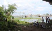 Giật mình phát hiện xác phụ nữ nổi lập lờ trên sông Sài Gòn