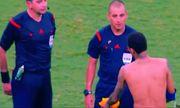 Neymar bẽ mặt vì tặng áo trọng tài bị từ chối