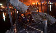 Hai tàu du lịch bất ngờ cháy nổ, khu cảng Nha Trang náo loạn