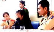 Nghẹt thở CSGT giải cứu nữ sinh thất tình nhảy cầu Chương Dương
