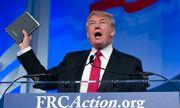 Hai cuốn Kinh Thánh sẽ được Donald Trump dùng để tuyên thệ tổng thống