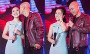 Vợ Phan Đinh Tùng ngại ngùng khi chồng hôn trước đông người