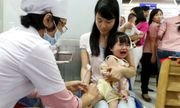Bé 14 tháng tuổi tử vong bất thường sau khi tiêm vaccine