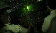 Máy bay nước ngoài bị chiếu laser khi hạ cánh ở Nội Bài