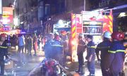 Cháy lớn ở khu phố Tây, du khách nước ngoài hốt hoảng tháo chạy