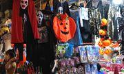 Đồ hóa trang kinh kị hút khách trước lễ Halloween