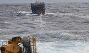 Hải quân Vùng 3 lai dắt thành công tàu bị nạn trên biển về đảo Lý Sơn