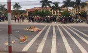 Sang đường mua đồ ăn vặt, học sinh lớp 2 bị xe tải đâm tử vong