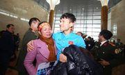 Cầu thủ Phạm Xuân Mạnh: Có tiền thưởng gửi về để bố mẹ trả nợ