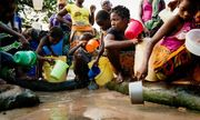 Hơn 800 triệu người dân trên thế giới mất 30 phút để kiếm nước sạch
