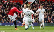 Thắng 2-0 trước Swansea: Man Utd tìm lại nụ cười
