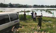 Hốt hoảng vì phát hiện thi thể người đàn ông đang phân hủy trên sông Sài Gòn