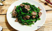 Cách làm thịt bò xào rau muống xanh giòn, thơm ngon