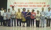Báo Đời sống & Pháp luật trao hơn 100 suất quà cho gia đình chính sách tại Hà Tĩnh