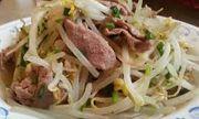 Cách làm thịt xào giá đỗ hấp dẫn, đưa cơm trong ngày mưa mát mẻ