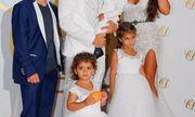Dàn sao sân cỏ cùng bạn đời xuất hiện trong lễ cưới của Fabregas