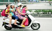 Clip: Xe máy chở quá số người quy định bị xử phạt như thế nào?