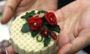 Độc lạ bánh trung thu điêu khắc giá cao vẫn hút khách