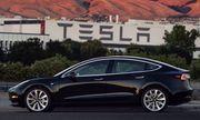 Nhờ mẫu Model 3, công ty xe điện của Elon Musk báo lãi kỷ lục