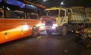Xe Phương Trang va chạm xe tải ở ngã tư Hàng Xanh, hành khách hoảng loạn