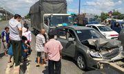 Va chạm liên hoàn ở Xa lộ Hà Nội, 5 người mắc kẹt hoảng sợ kêu cứu