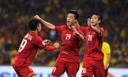 Video: Bàn thắng mở tỷ số của Huy Hùng tại chung kết lượt đi AFF Cup 2018