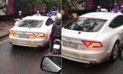 Video: Audi A7 chạy lấn làn, bị ép lùi ở Hà Nội