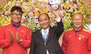 Thủ tướng gọi điện cho HLV Park Hang-seo, khích lệ đội tuyển Việt Nam trước trận tứ kết