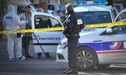 Xả súng, cướp xe chở phạm nhân ngay trước cửa tòa án Pháp