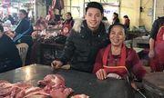 Bùi Tiến Dũng ra chợ bán thịt lợn với mẹ đúng như lời hứa tại Asian Cup