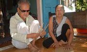 Căn nhà của đôi vợ chồng mù: Nơi nương tựa của những mảnh đời vô gia cư