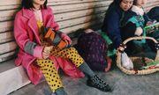 Cô bé vô gia cư xinh xắn ở Hà Nội tự phối đồ