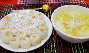 Người dân Hà Nội xếp hàng dài mua bánh trôi, bánh chay trong ngày Tết Hàn thực